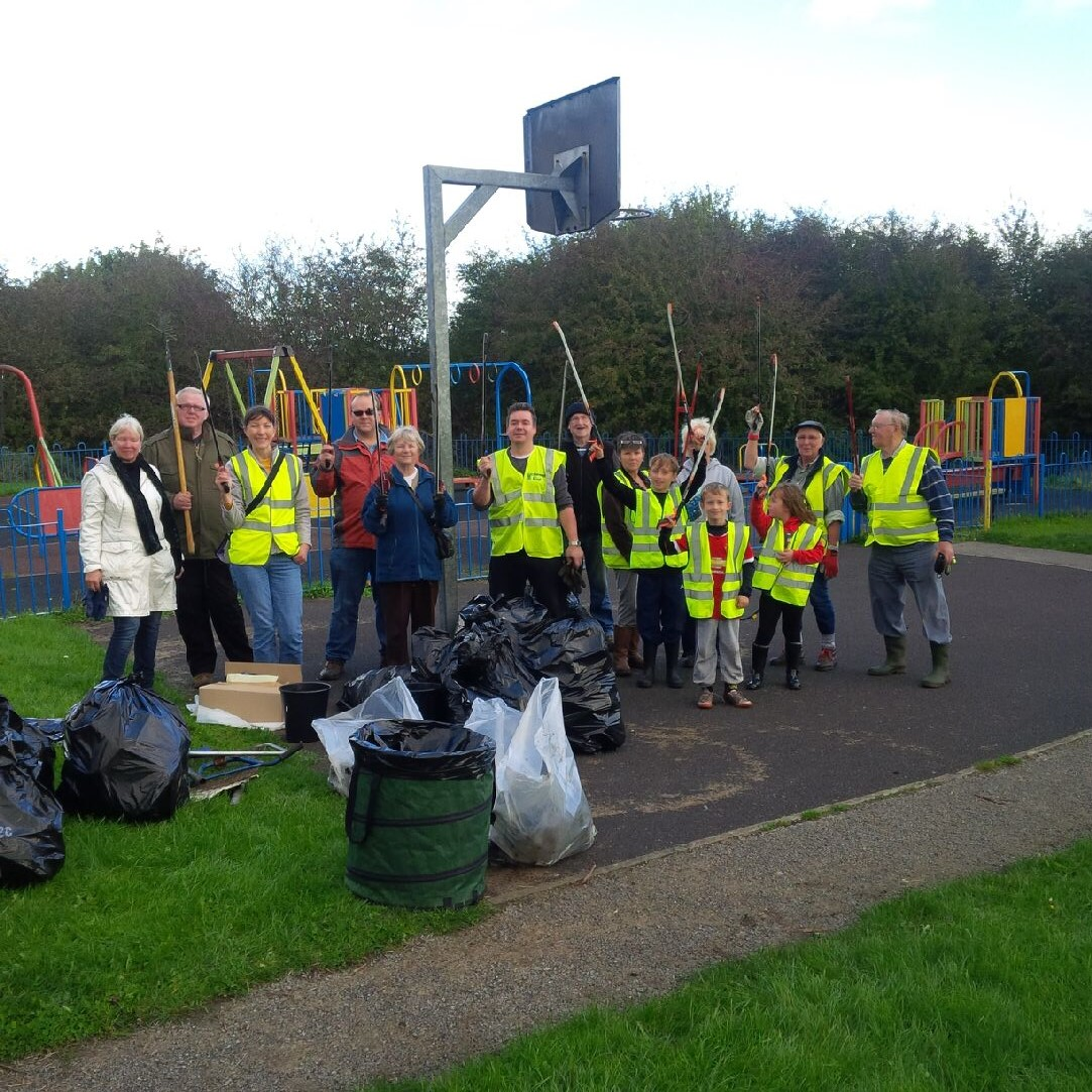 Mexborough First helps clean-up on Conisbrough/Denaby Crags